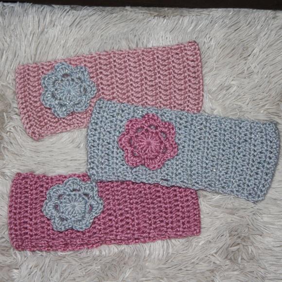 Beautiful NWOT Winter Crocheted Earwarmers
